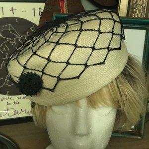 Accessories - Vintage Original Roberta Bernays pill hat.